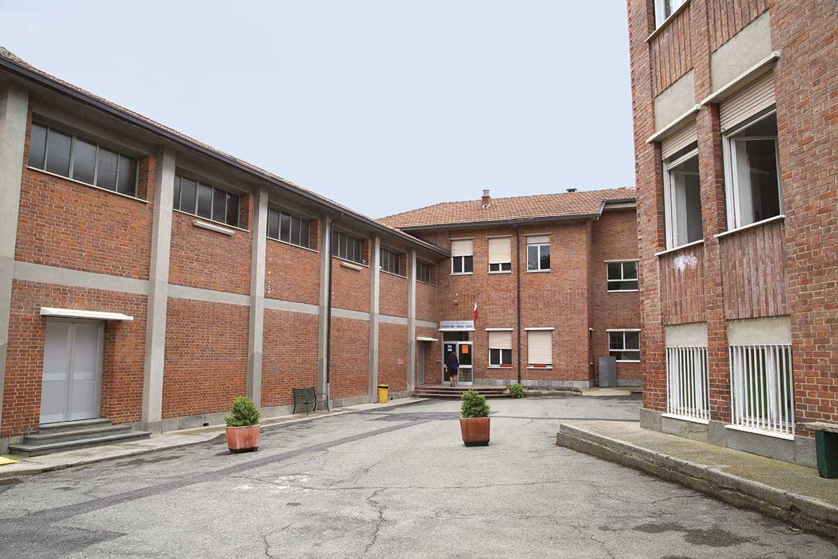 Arca_Scuole_gli-spazi_esterno-scuola